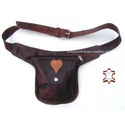 Riñonera Corazón Cuero Natural marrón castaño bolso de cintura cinturón